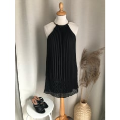 Robe courte Guess  pas cher