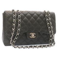 Sac en bandoulière en cuir Chanel Timeless - Classique pas cher