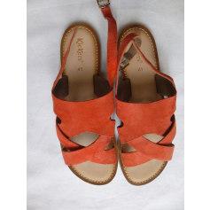 Flat Sandals Kickers