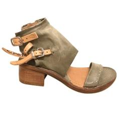 Sandali con tacchi AirStep