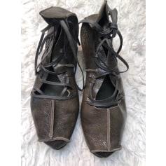 Sandales à talons trippen  pas cher
