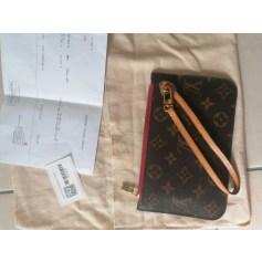 Trousse Louis Vuitton Neverfull pas cher