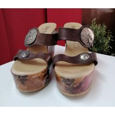 Sandales compensées Bertuchi  pas cher
