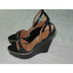 Sandales compensées Givenchy  pas cher