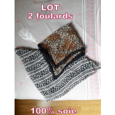 Foulard 100% Vintage  pas cher