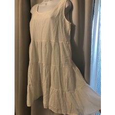 Robe courte Talia Benson  pas cher