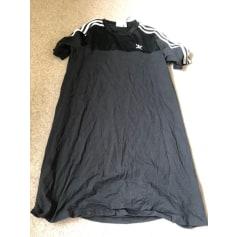Robe mi-longue Adidas  pas cher