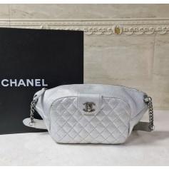 Sac pochette en cuir Chanel  pas cher