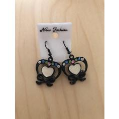 Boucles d'oreille New Fashion  pas cher