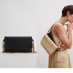 Schultertasche Leder Zara
