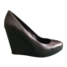 Wedges Guess