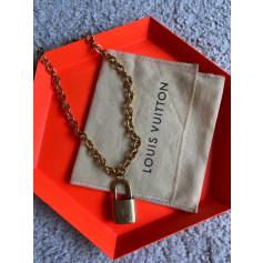 Pendentif, collier pendentif Louis Vuitton  pas cher
