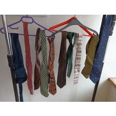 Cravate Jean Patou  pas cher
