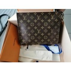 Pochette Louis Vuitton Pochette Toilette pas cher