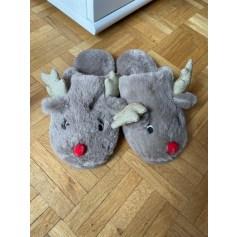 Hausschuhe, Pantoffeln
