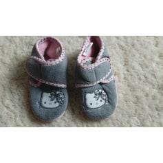 Chaussons & pantoufles Hello Kitty  pas cher