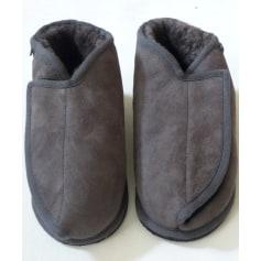 Hausschuhe, Pantoffeln Shepherd