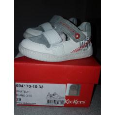 Schuhe mit Klettverschluss Kickers