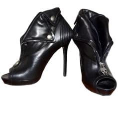 Bottines & low boots à talons Alexander McQueen  pas cher
