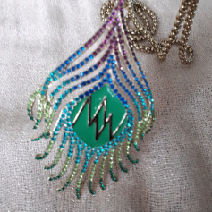 Pendentif, collier pendentif Matthew Williamson  pas cher