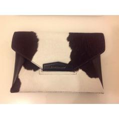 Sac pochette en cuir Givenchy Antigona pas cher