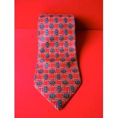 Tie Rochas