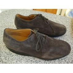 Chaussures à lacets MBT  pas cher
