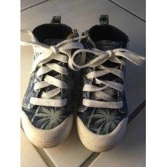 Chaussures à lacets 10 IS  pas cher