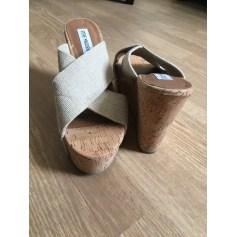 Sandales compensées Steve Madden  pas cher
