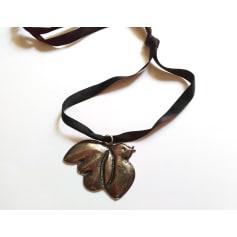 Pendentif, collier pendentif Cacharel  pas cher