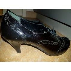 Bottines & low boots à talons Via Maestra  pas cher