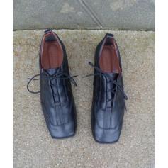 Chaussures à lacets Lacoste  pas cher