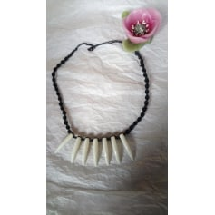 Necklace No Collection