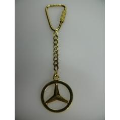 Collier Mercedes-Benz  pas cher