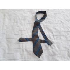 Cravate Pierre Balmain  pas cher