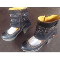 Bottines & low boots à talons Art  pas cher