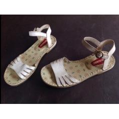 Sandales plates  Clarks  pas cher