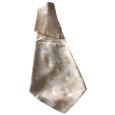 Tie Inès de la Fressange