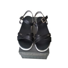 Sandales plates  Nero Giardini  pas cher