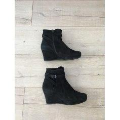 Bottines & low boots à compensés Unisa  pas cher
