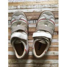 Schuhe mit Klettverschluss Mod 8