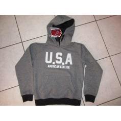 Sweatshirt American College