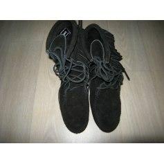 Bottines & low boots plates Minnetonka  pas cher
