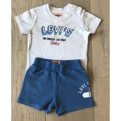 Shorts Set, Outfit Levi's
