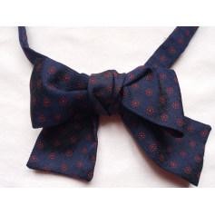 Bow Tie Pataya