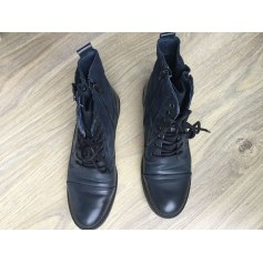 Bottines & low boots plates Mustang  pas cher