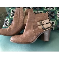 High Heel Ankle Boots Texto