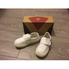 Schuhe mit Klettverschluss Victoria