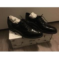 Chaussures à lacets  Betty London  pas cher