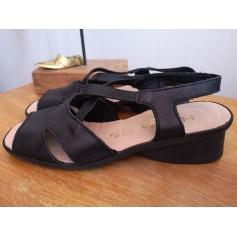 Sandales à talons Hirica  pas cher